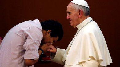 Photo of Papa diz que Igreja 'não pode concordar com tudo o que grupos feministas propõem'