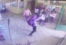Photo of VÍDEO: Além dos tiros, imagens da vigilância interna de escola em Suzano-SP mostram golpes com machadinha em vítimas