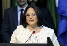 """Photo of Ameaçada Damares """"não sairá do governo"""""""