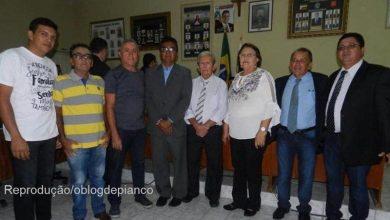 Photo of Vice-prefeita de Emas assume prefeitura e já se lança pré-candidata para 2020