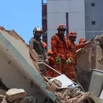 Photo of Prédio de 7 andares desaba em Fortaleza; uma pessoa morreu…
