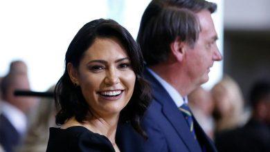 Photo of Michelle Bolsonaro passa por cirurgia e não viaja com o marido e a filha para Réveillon