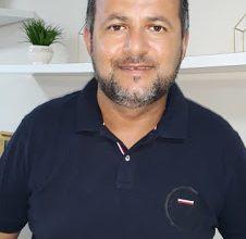 """Photo of Paulinho de Zié homenageia trabalhadores(as) pela passagem do Dia do Trabalho: """"Que Deus proteja cada trabalhador, trabalhadora, sua família e seus lares""""."""