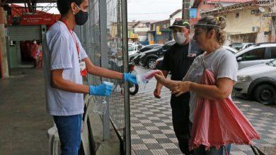 Photo of Governo da Paraíba distribui máscaras reutilizáveis em filas de bancos em Itaporanga e Piancó