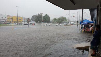 Photo of [VÍDEOS] Forte chuva em João Pessoa causa alagamentos e transtornos no trânsito; carros ficam submersos