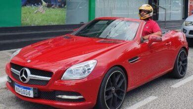Photo of VÍDEO] Empresário paraibano viraliza após comprar carro de luxo e não caber no veículo