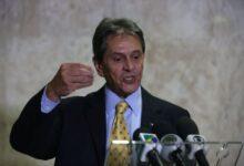 Photo of Roberto Jefferson vai tirar comando regional de deputados do PTB que votaram pela prisão de Silveira