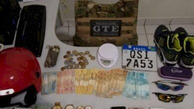 Photo of Operação policial apreende drogas, dinheiro e recupera moto roubada no Vale do Piancó