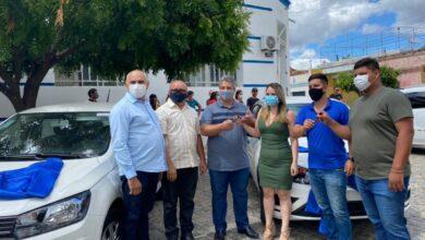 Photo of ASSISTA; Prefeito de Itaporanga Divaldo Dantas entrega quatro novos carros para a saúde e secretaria de  gabinete